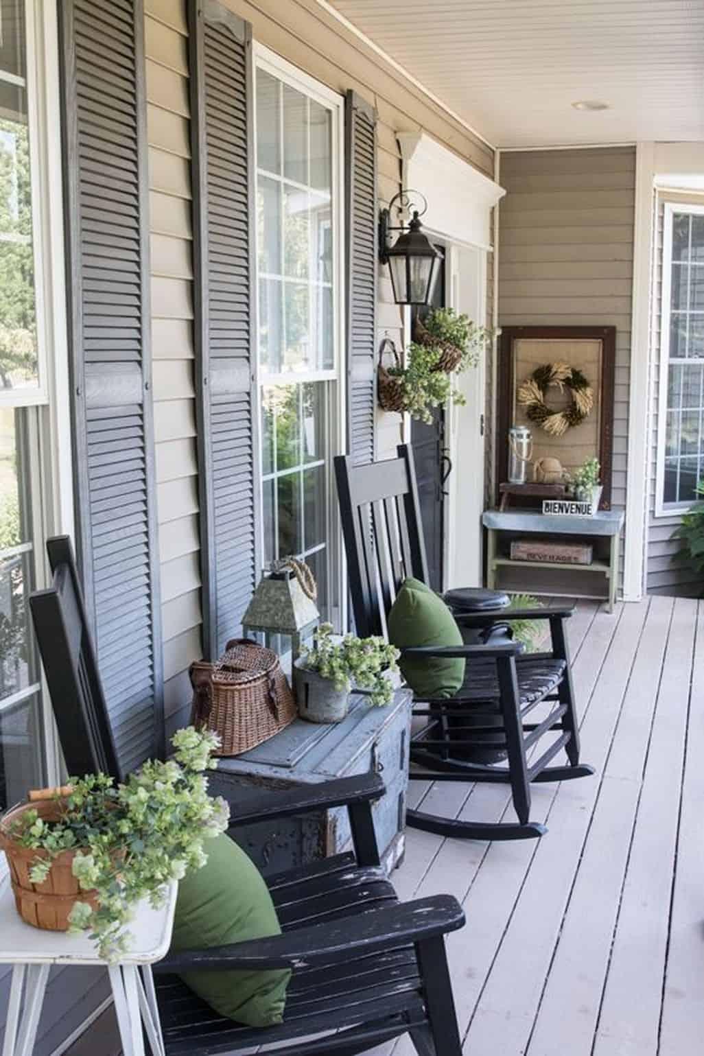 symmetrical porch.jpg 2
