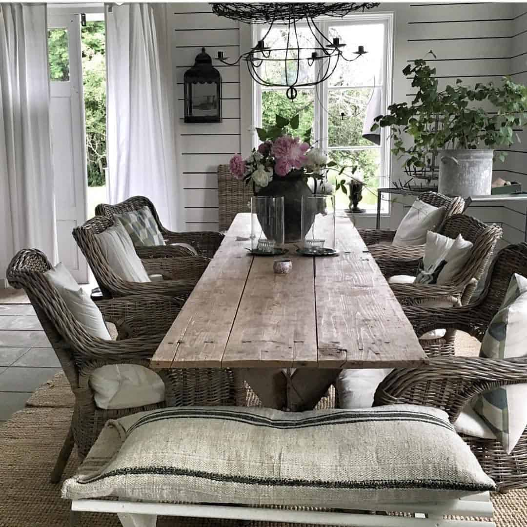 wicker chairs for the dining area