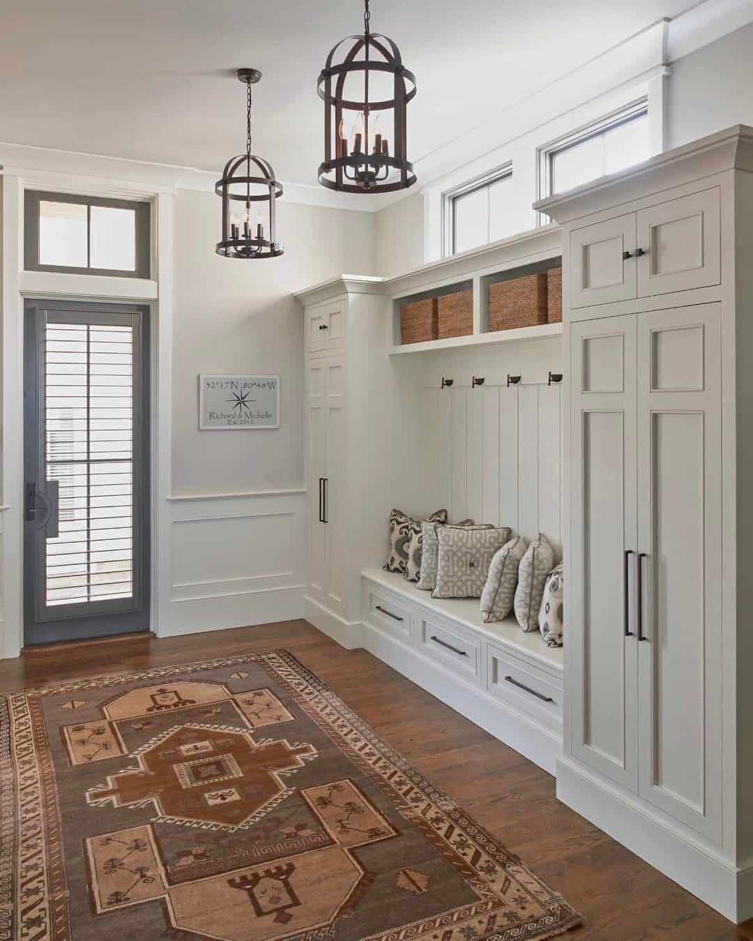 Wondrous Stylish Mudroom Decor Ideas Caraccident5 Cool Chair Designs And Ideas Caraccident5Info