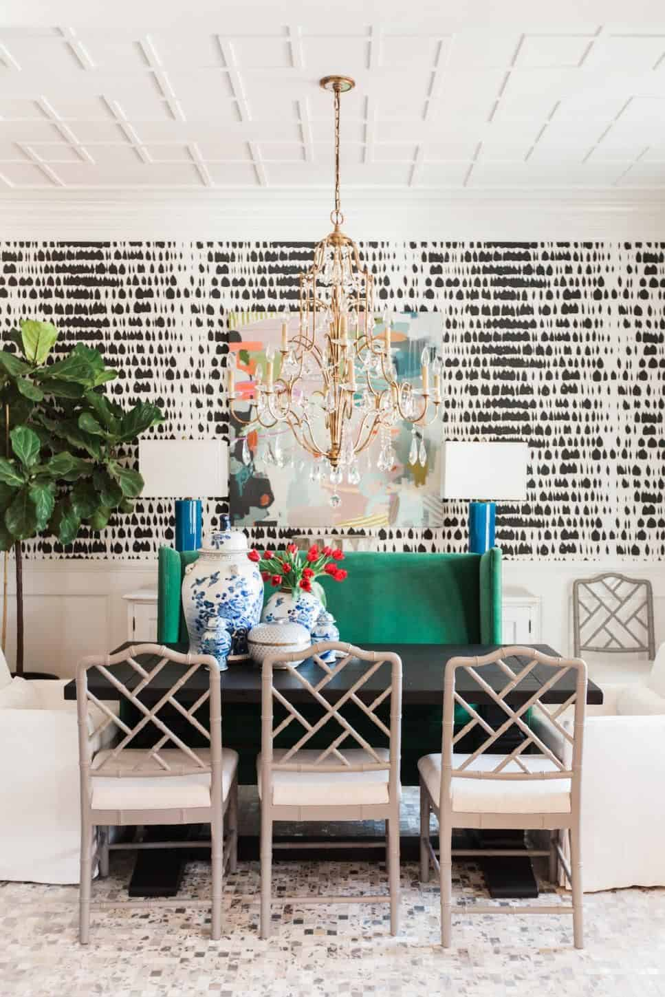 eclectic wallpaper in dining space Do's and Don'ts Of Eclectic Home Décor