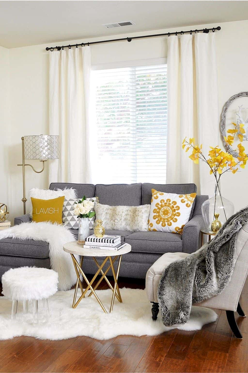 cozy small living room Secrets To Maximizing Your Small Living Area