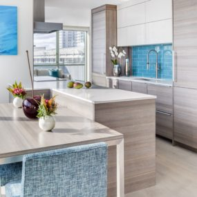 12 Amazing Kitchens With Glossy Tiles