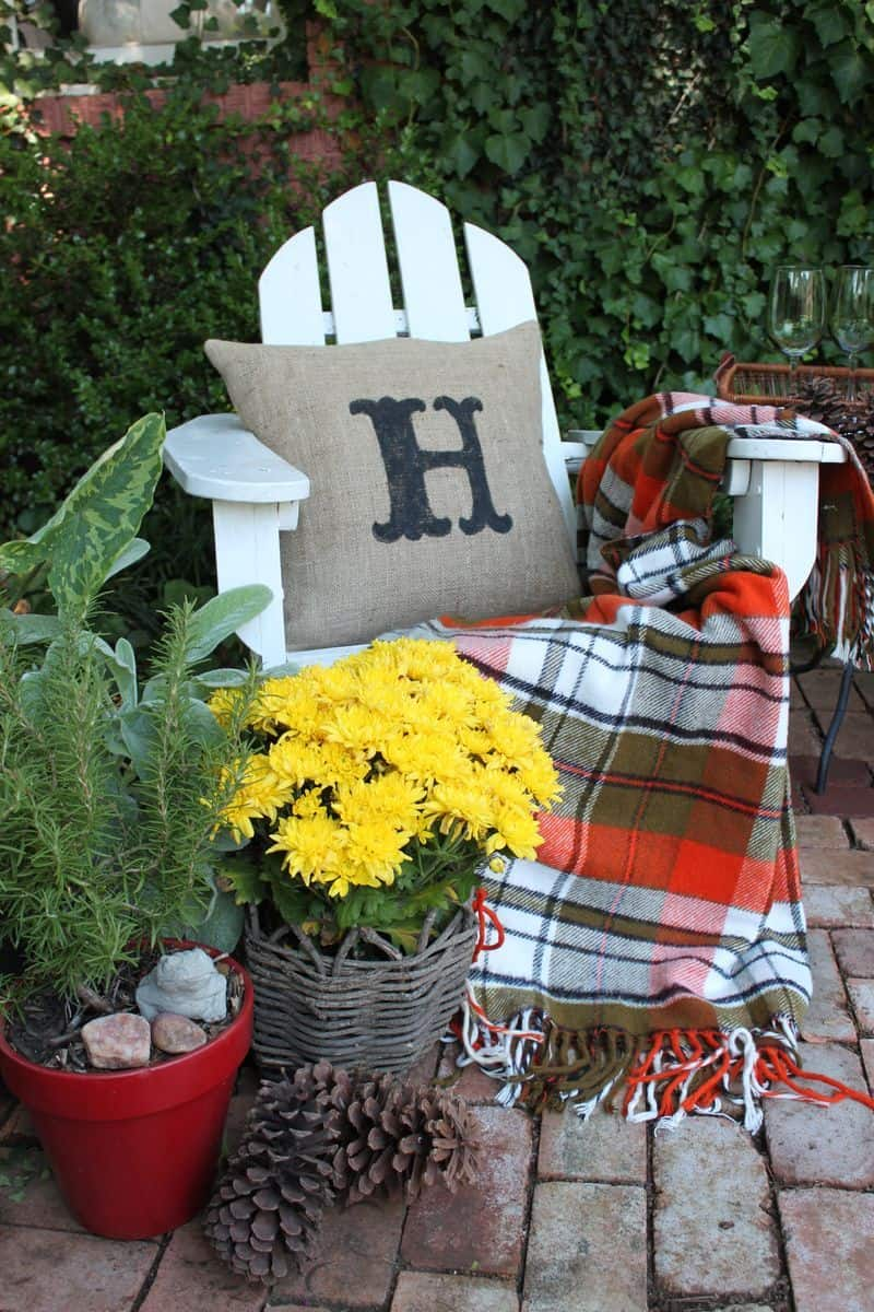 bold fall decor