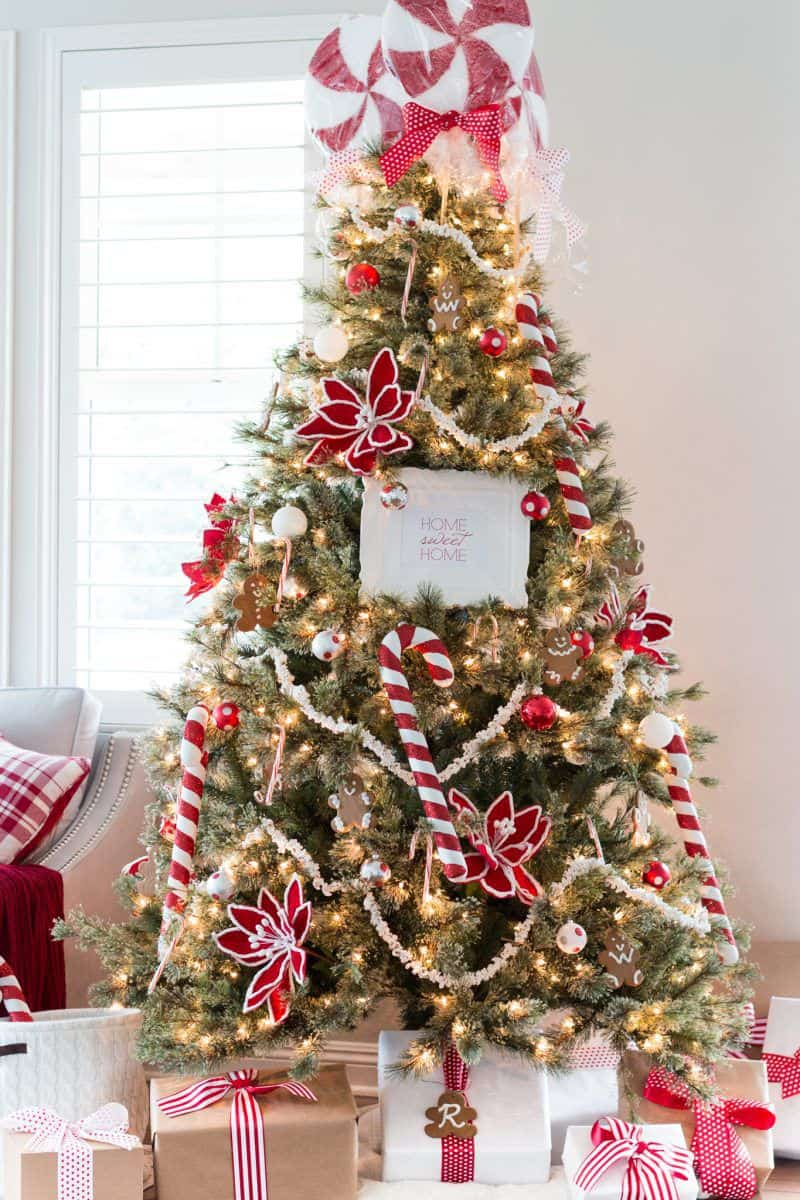 christmas tree decorating ideas candy canes 1541625845 Christmas Tree Decor You Need Right Now!