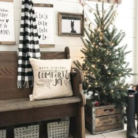 Mini Christmas Tree Decor That Make A Whole Lot Of Sense