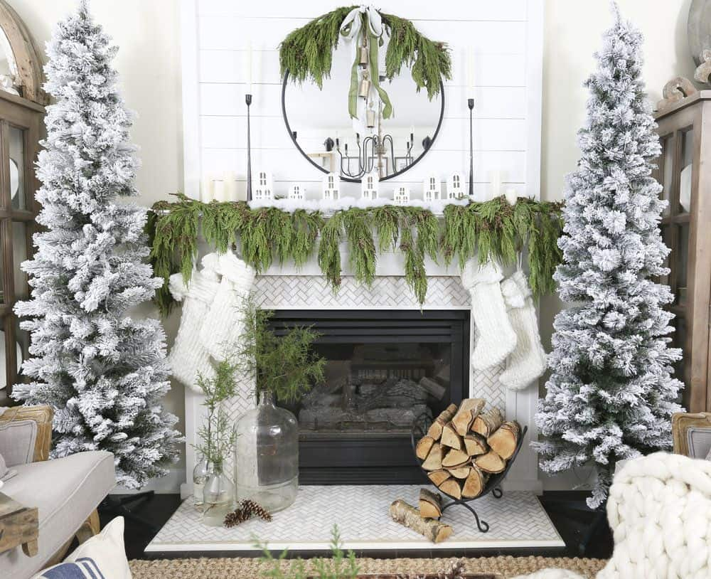 How To Bring Christmas Cheer To Your Mantel