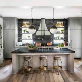 Chic Kitchens With Open Shelving