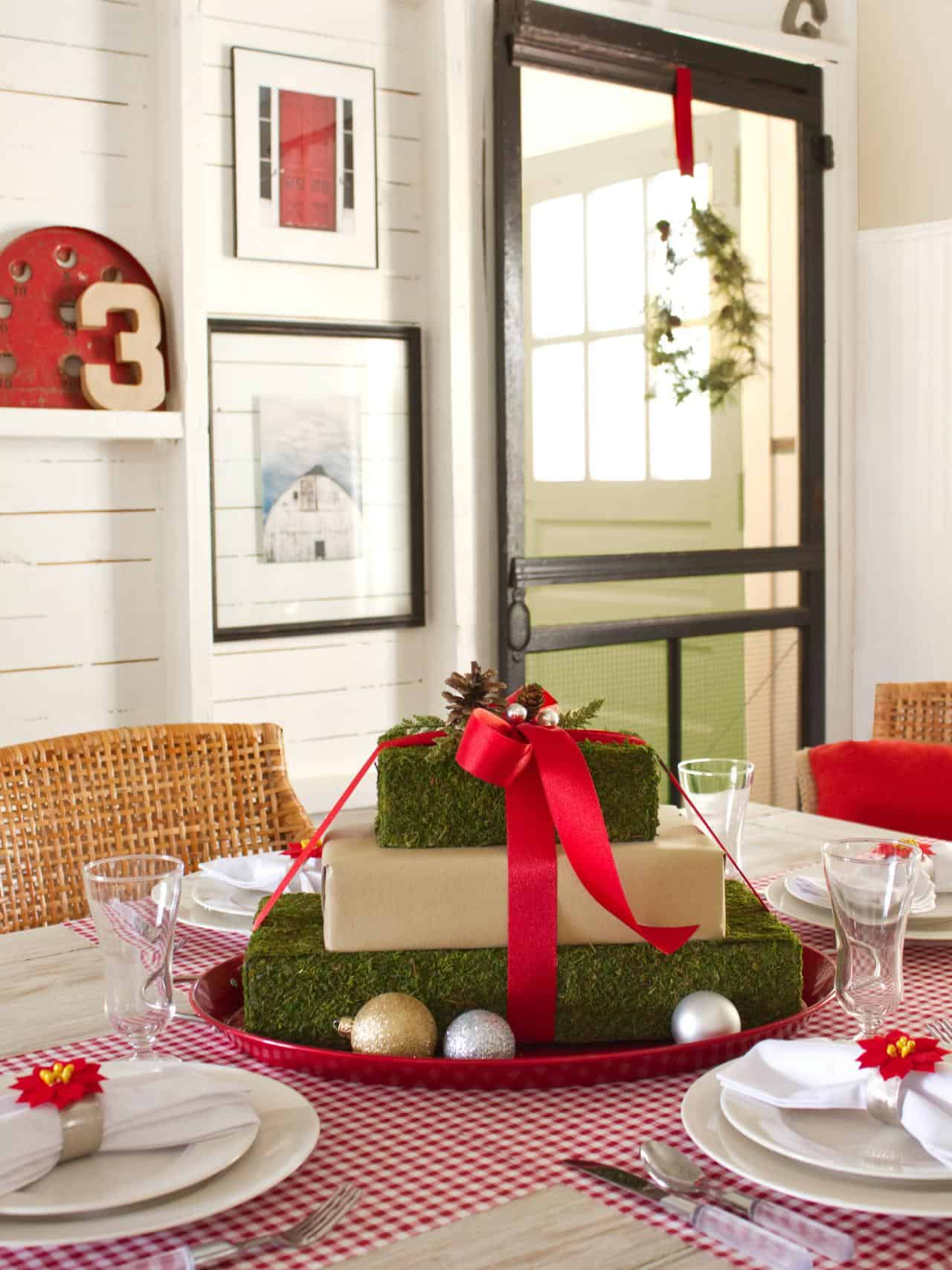 Easy Christmas Centerpieces For All Decorating Styles