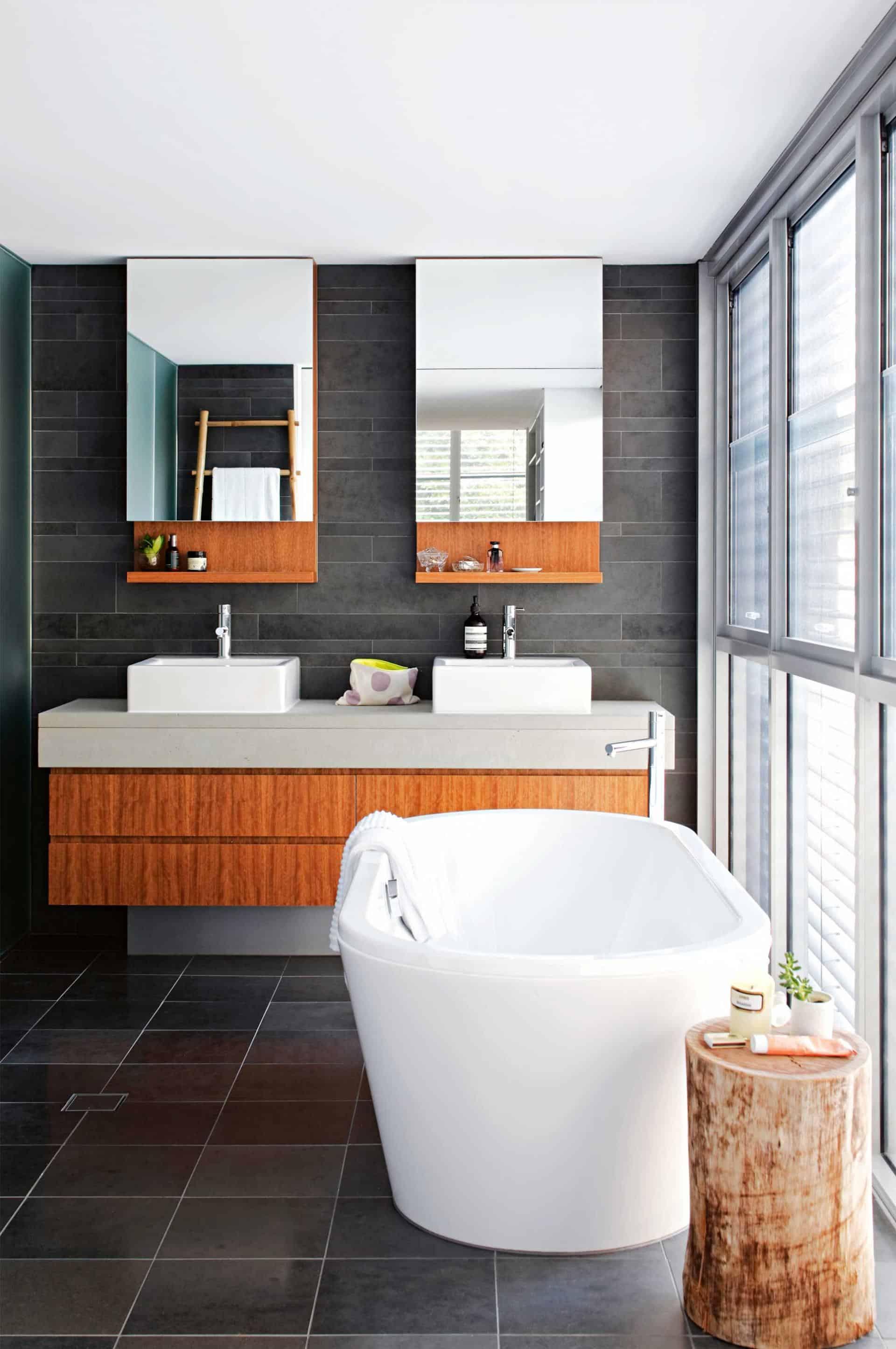 modern-bathroom-backsplash