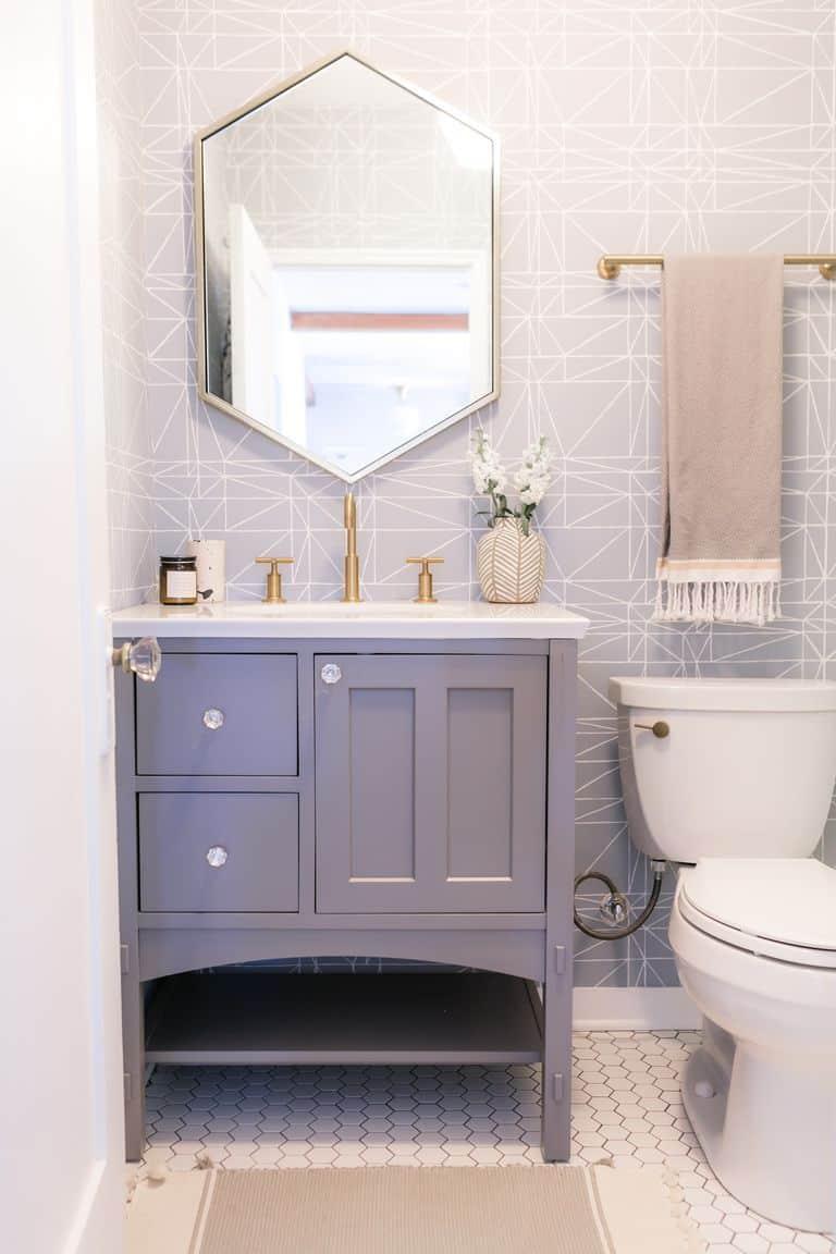 pale purple in bathroom