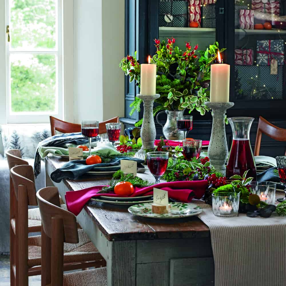 seasonal foilage Classic Country Ideas Youll Love To Incorporate This Holiday Season