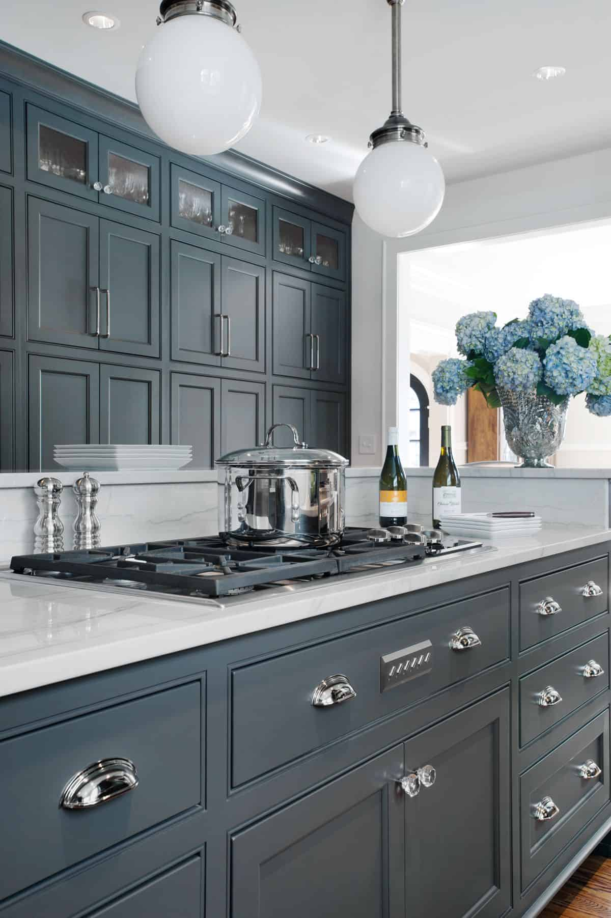 charcoal gray cabinets Embrace your small kitchen with these decorating ideas