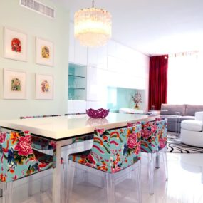 Stunning Dining Rooms With A Floral Touch