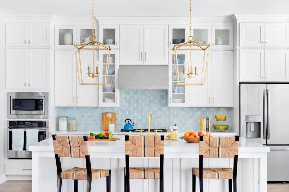 pendant ligthing in kitchen