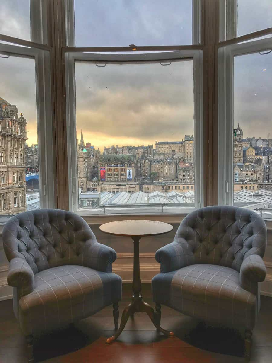 comfortable chairs for a view