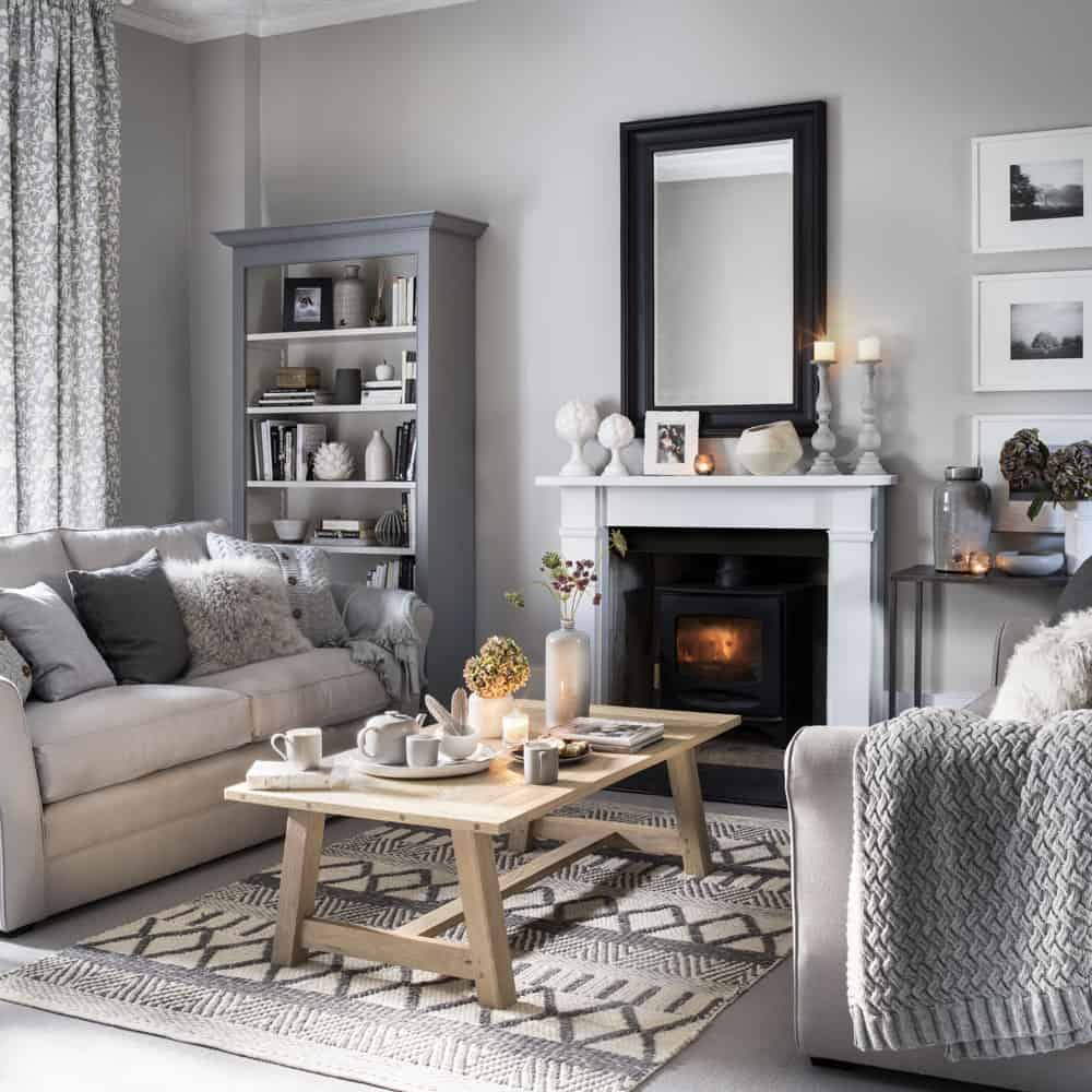 cozy with a rug 10 Ways To Add Cozy Vintage Style To Your Home This Winter
