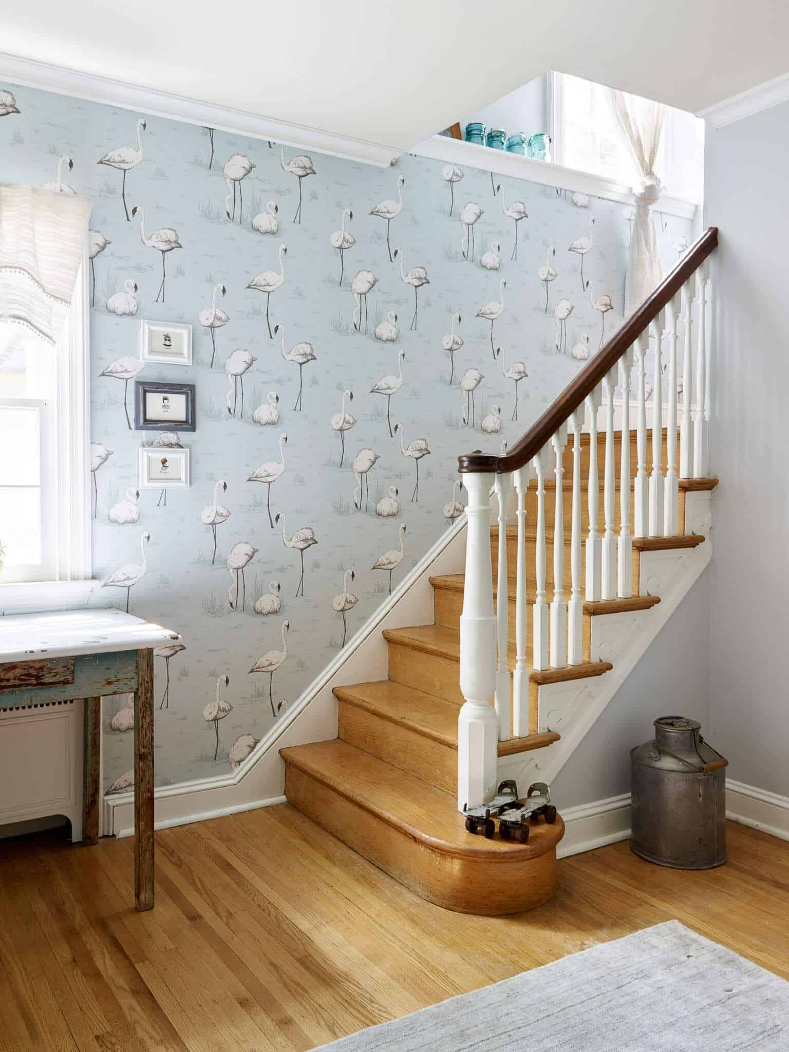 pale foyer wallpaper Wallpapered Foyers For An Elegant Entrance To Your Home