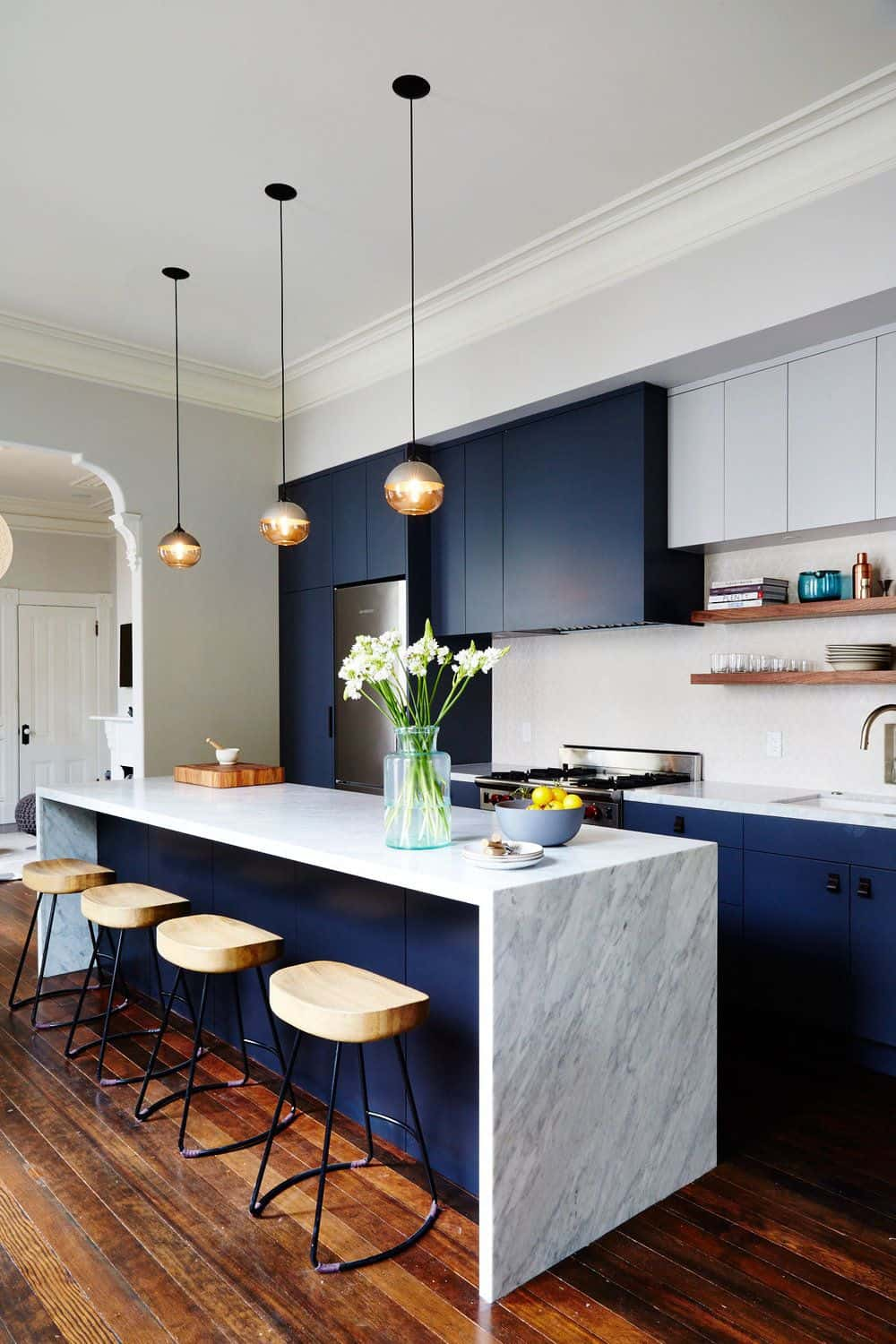pops of blue in kitchen