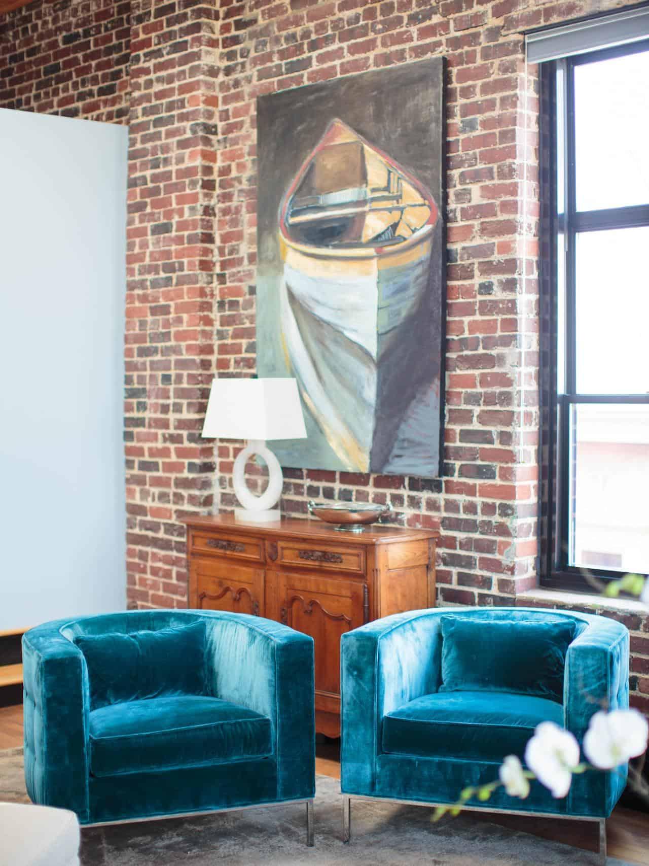velvet accent chair in living room.jpg 2
