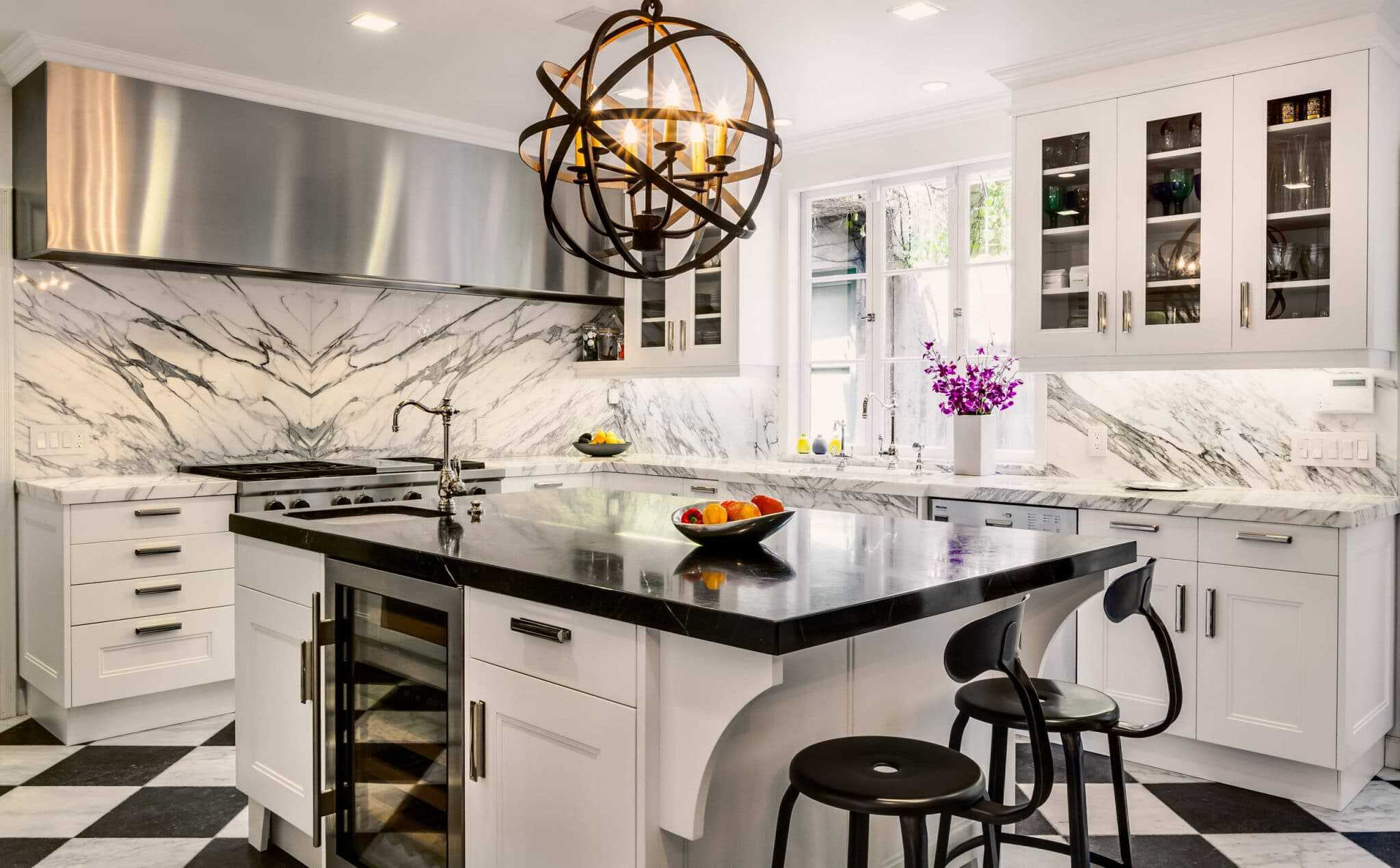 balck and whit marble Modern Kitchen Ideas Every Cook Is Sure To Fall In Love With