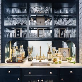 Home Bar Decorating Ideas That Are One Of A Kind