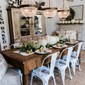 Quirky rustic dining table decorating trends
