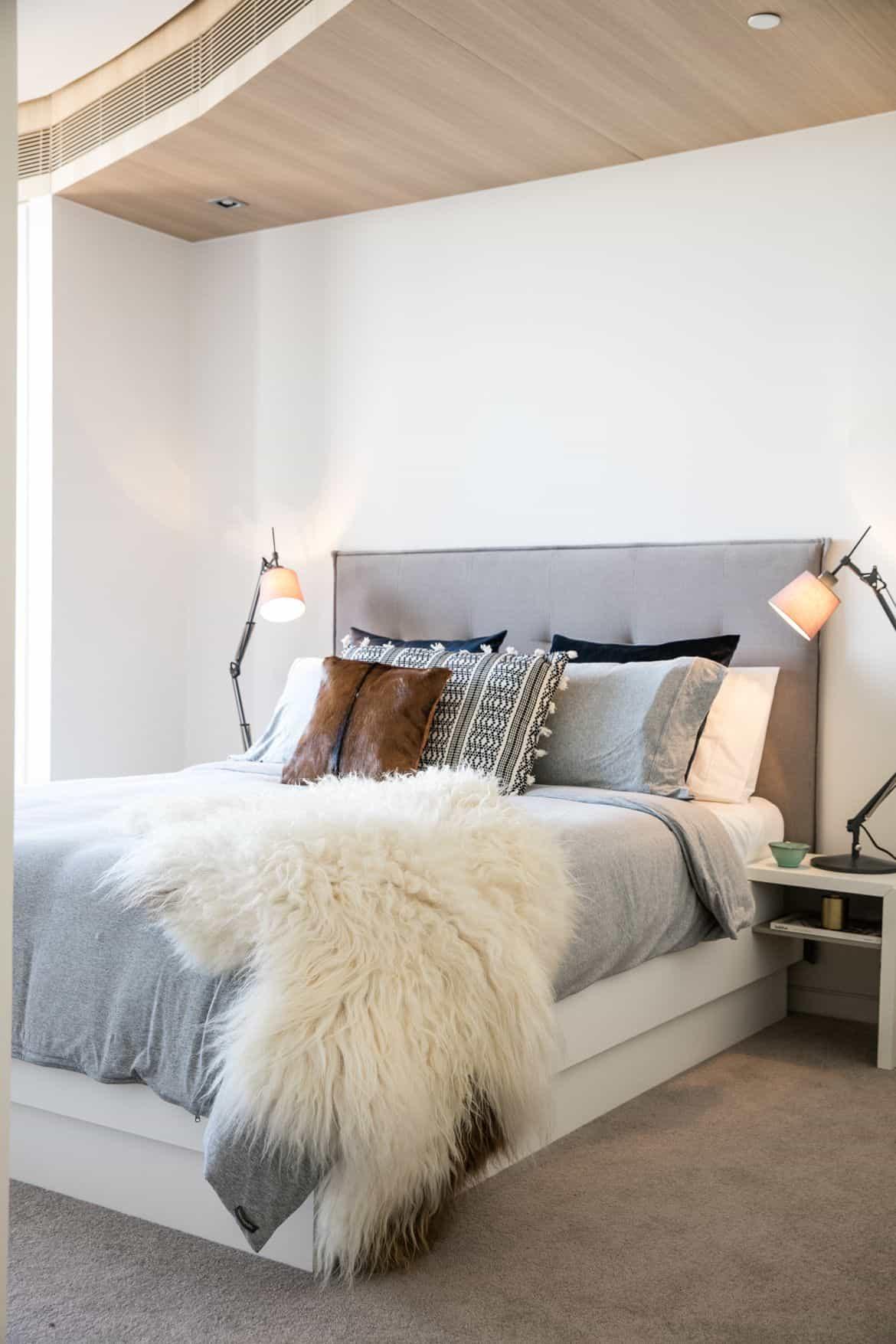 add storgae in guest bedroom