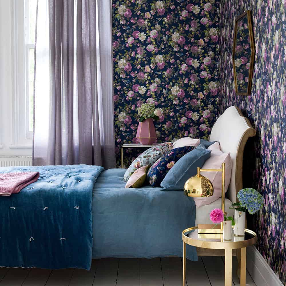 floral wallpaper in guest bedroom Tips to Turn Your Guest Room Into The Ultimate Retreat