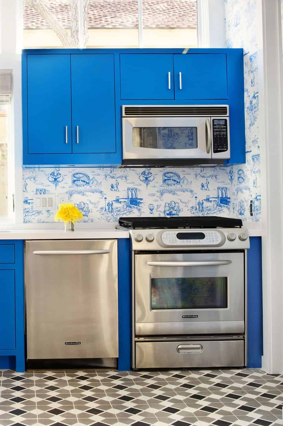 glossy blue small ktichen Contemporary Small Kitchen Design Ideas