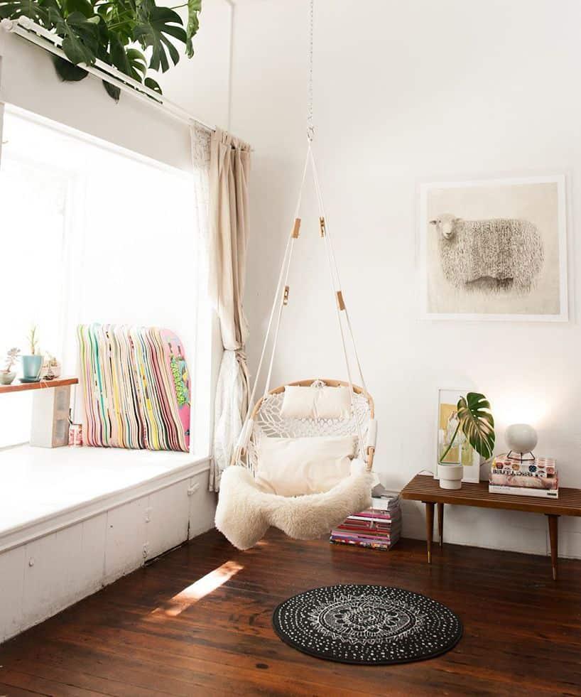swing in corner