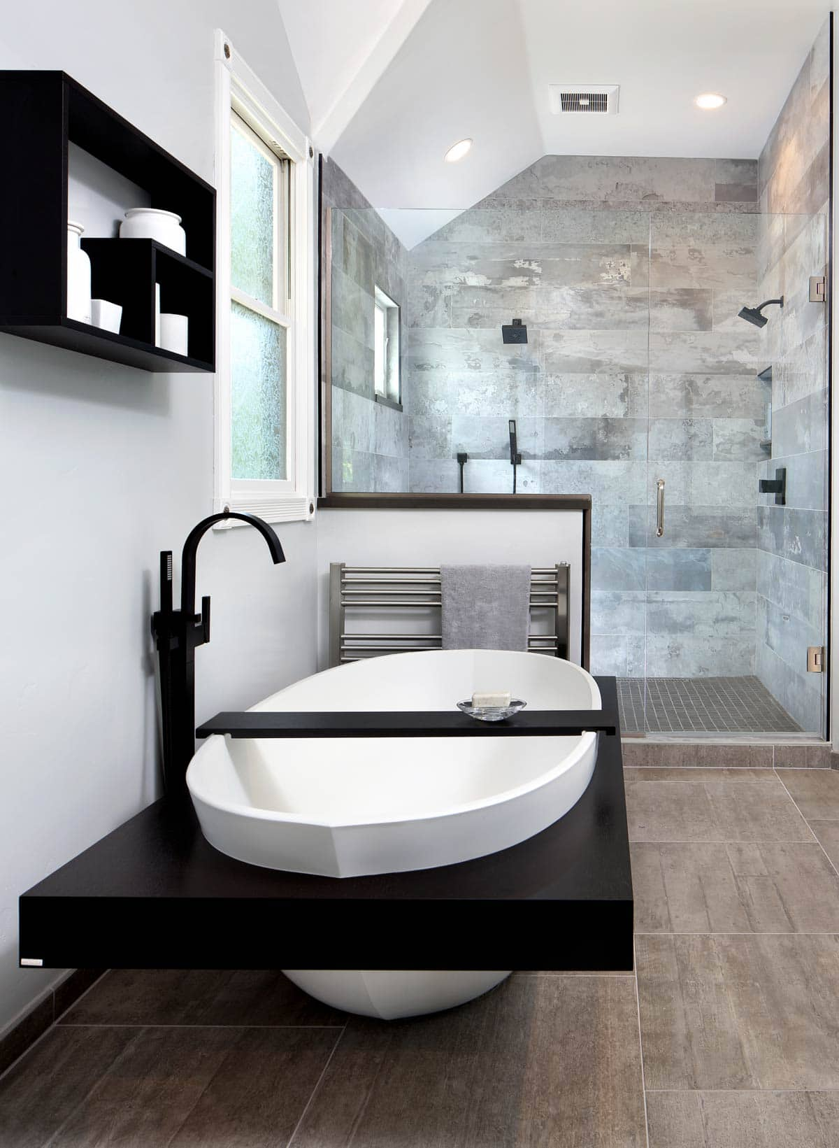 neutral monochromatic Relaxing Master Bathroom Remodeling Ideas