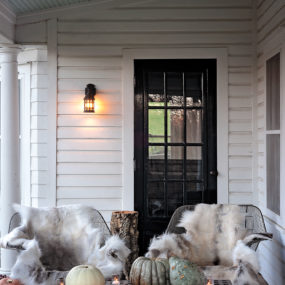 Best Outdoor Halloween Decorating Ideas For An Eerie Twist