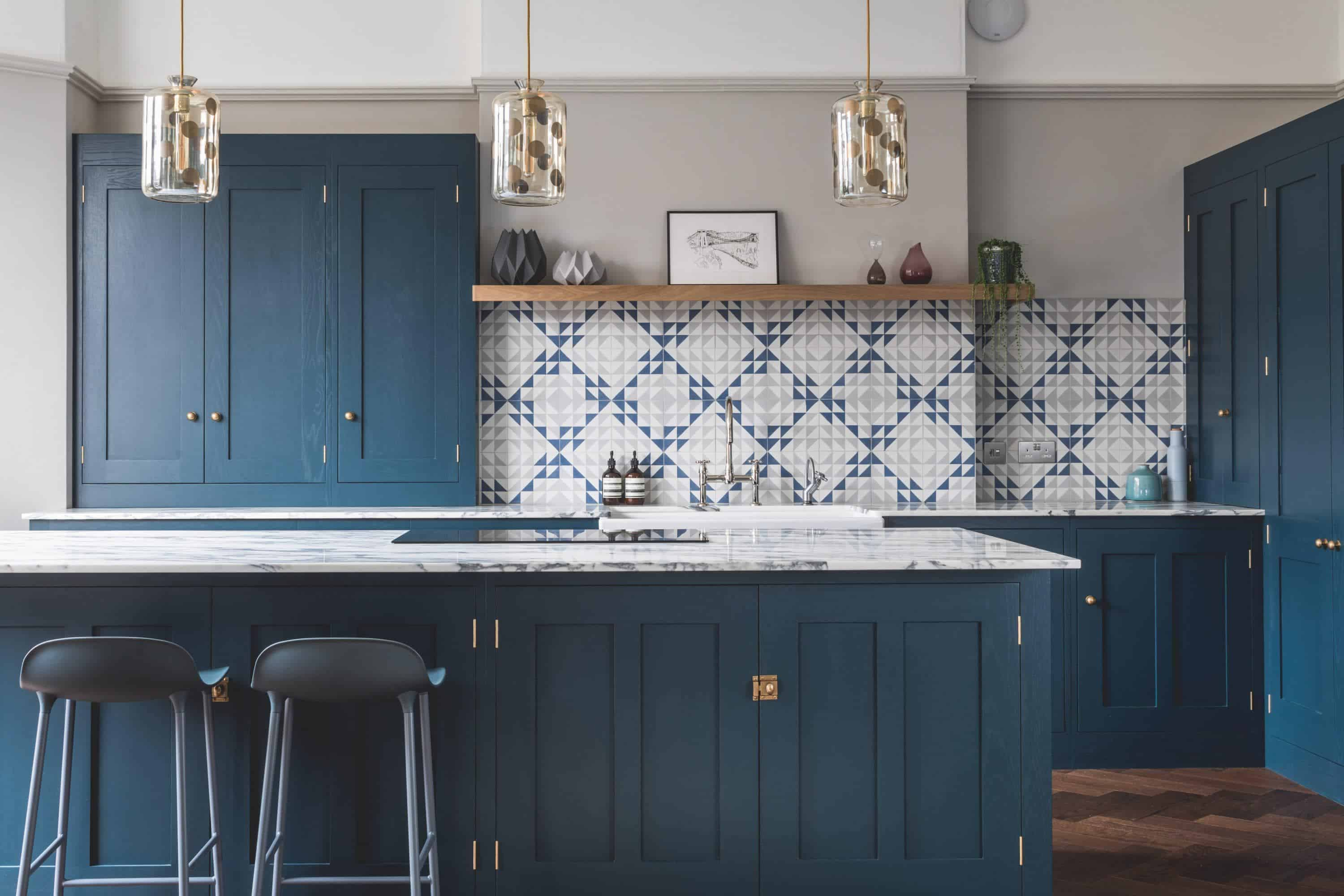 blue accent wall in kitchen