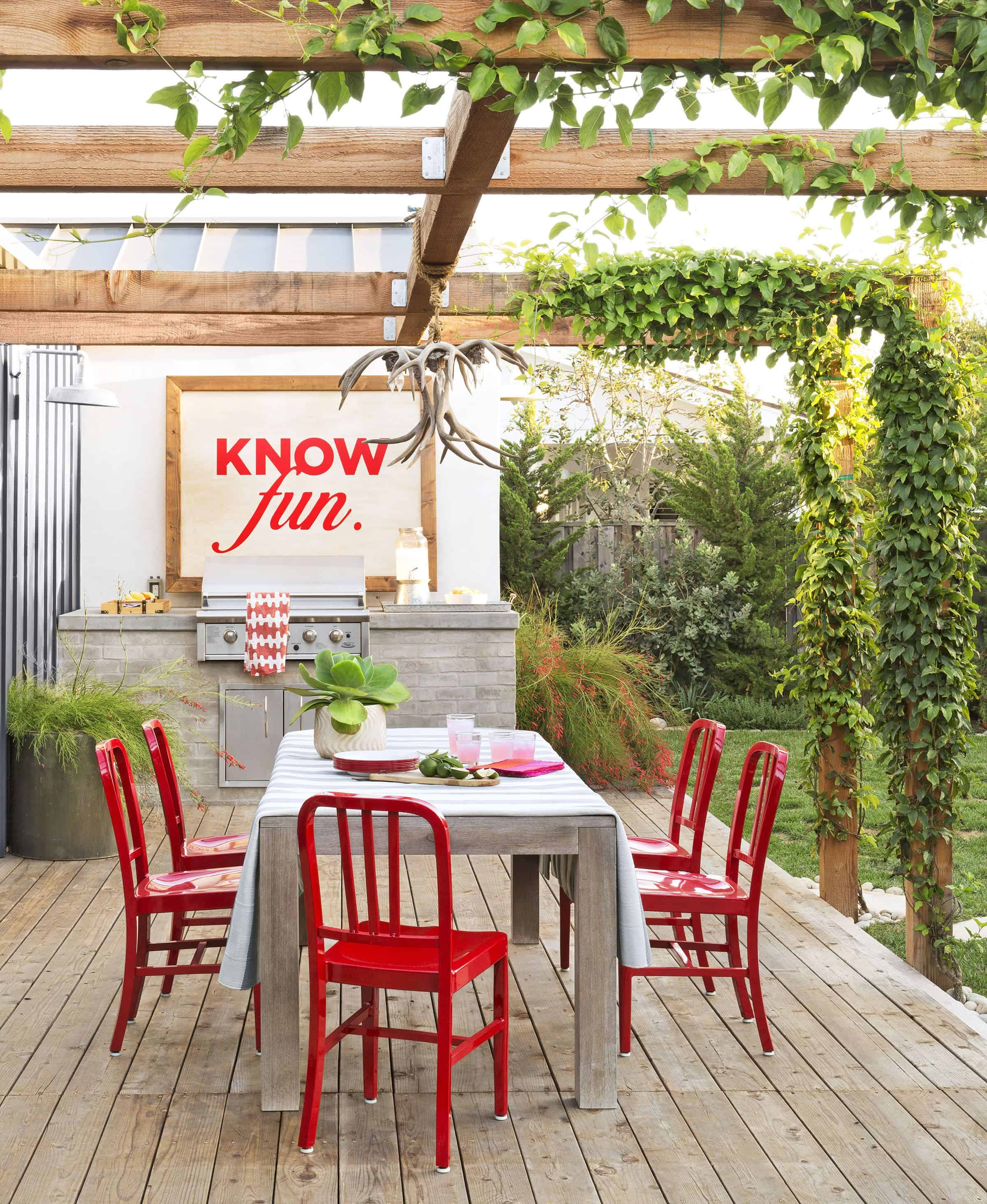 Outdoor kitchens that will make you want to spend more time ...