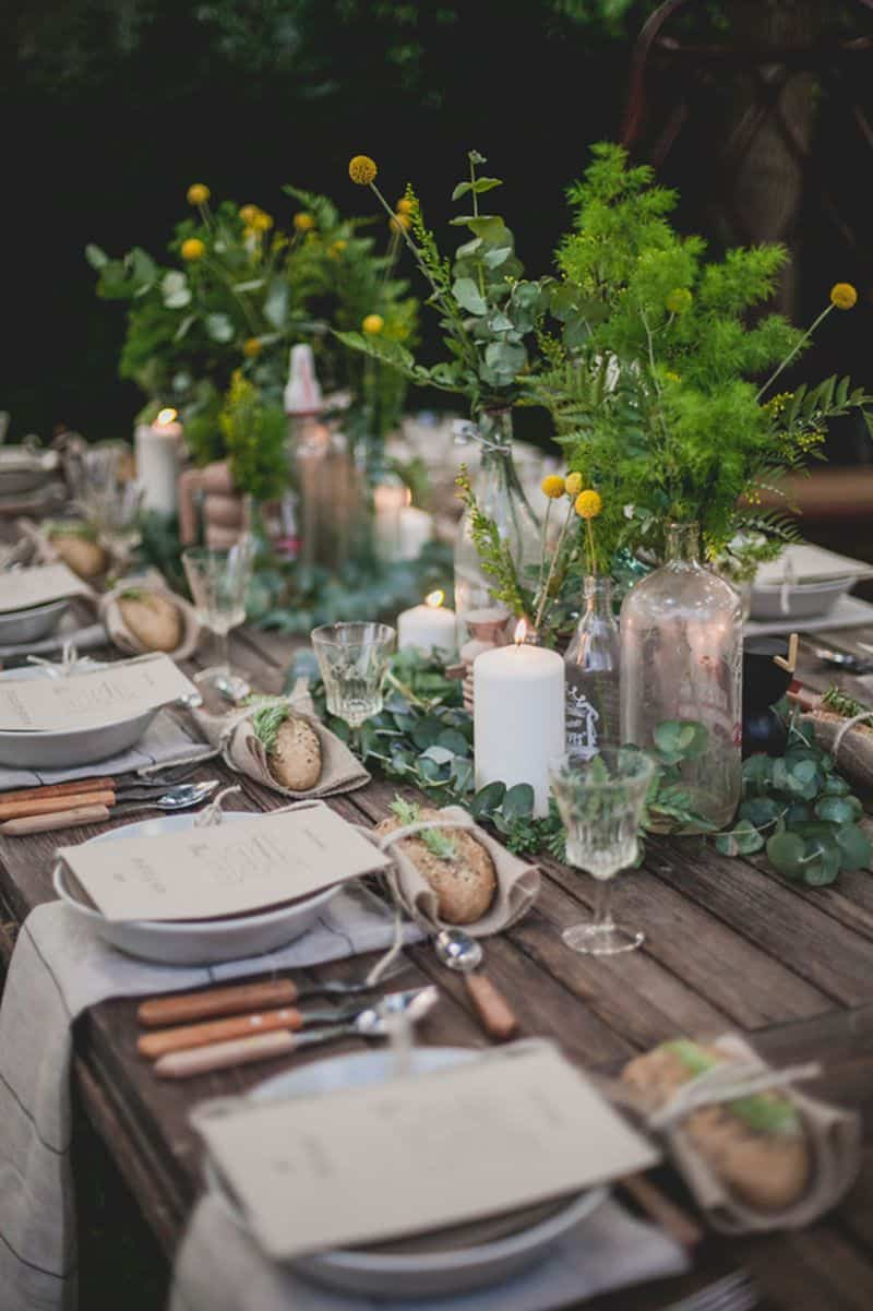 rustic fall outside table Charming and creative ways to decorate your table for Fall