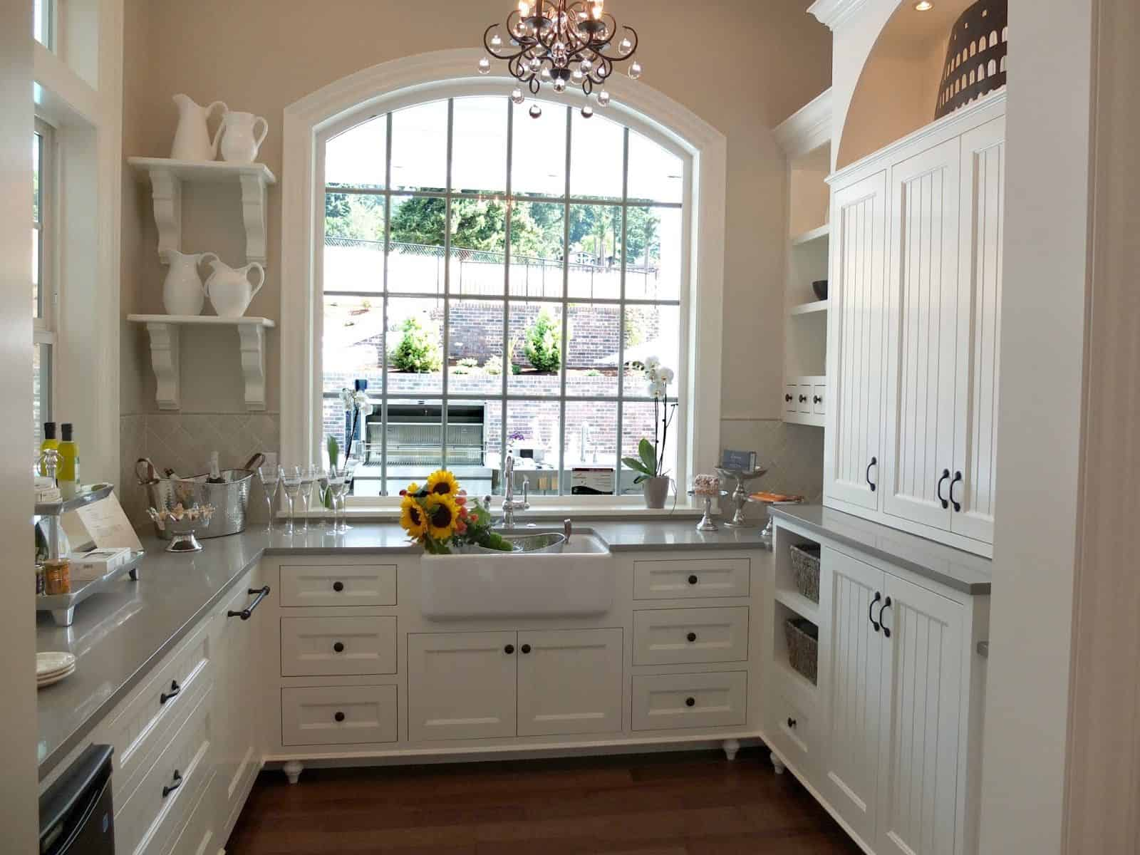butlers pantry Pantry door ideas to make your kitchen come to life