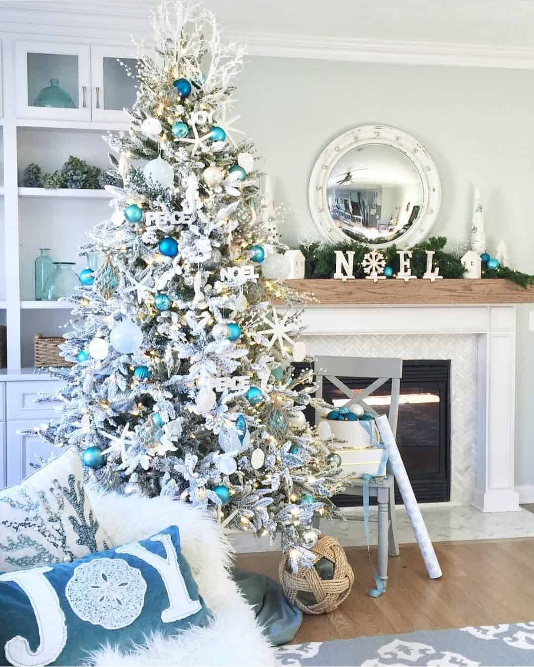 Outstanding Silver Christmas Tree Ideas