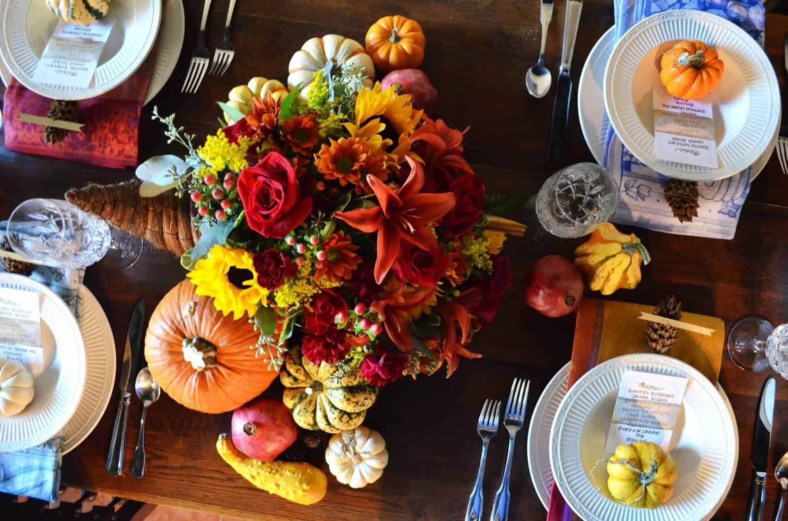 cornocopia Thanksgiving decorating ideas to make your home feel extra cozy