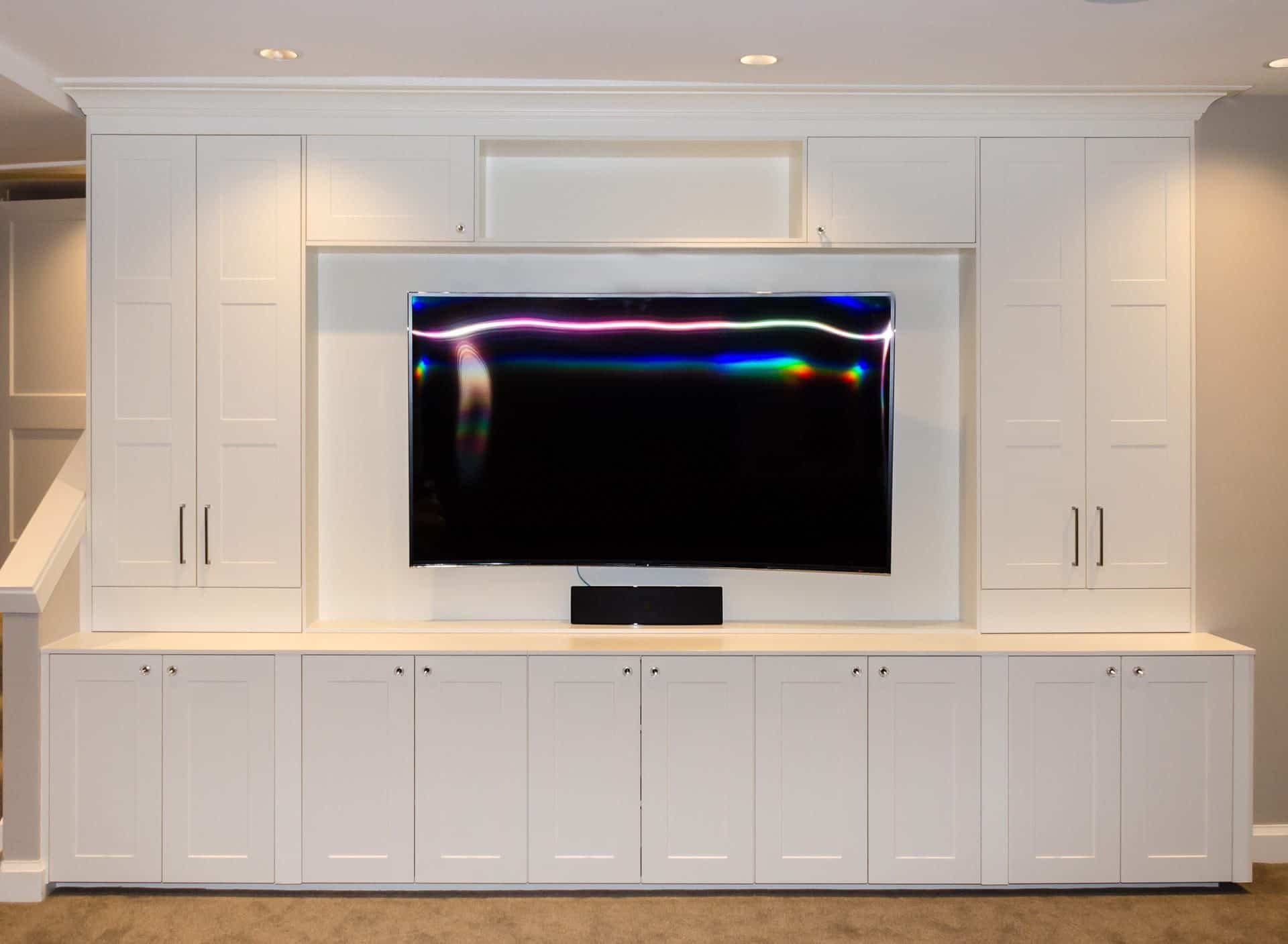 media console Bedroom Design Solutions: Ideas For Your TV