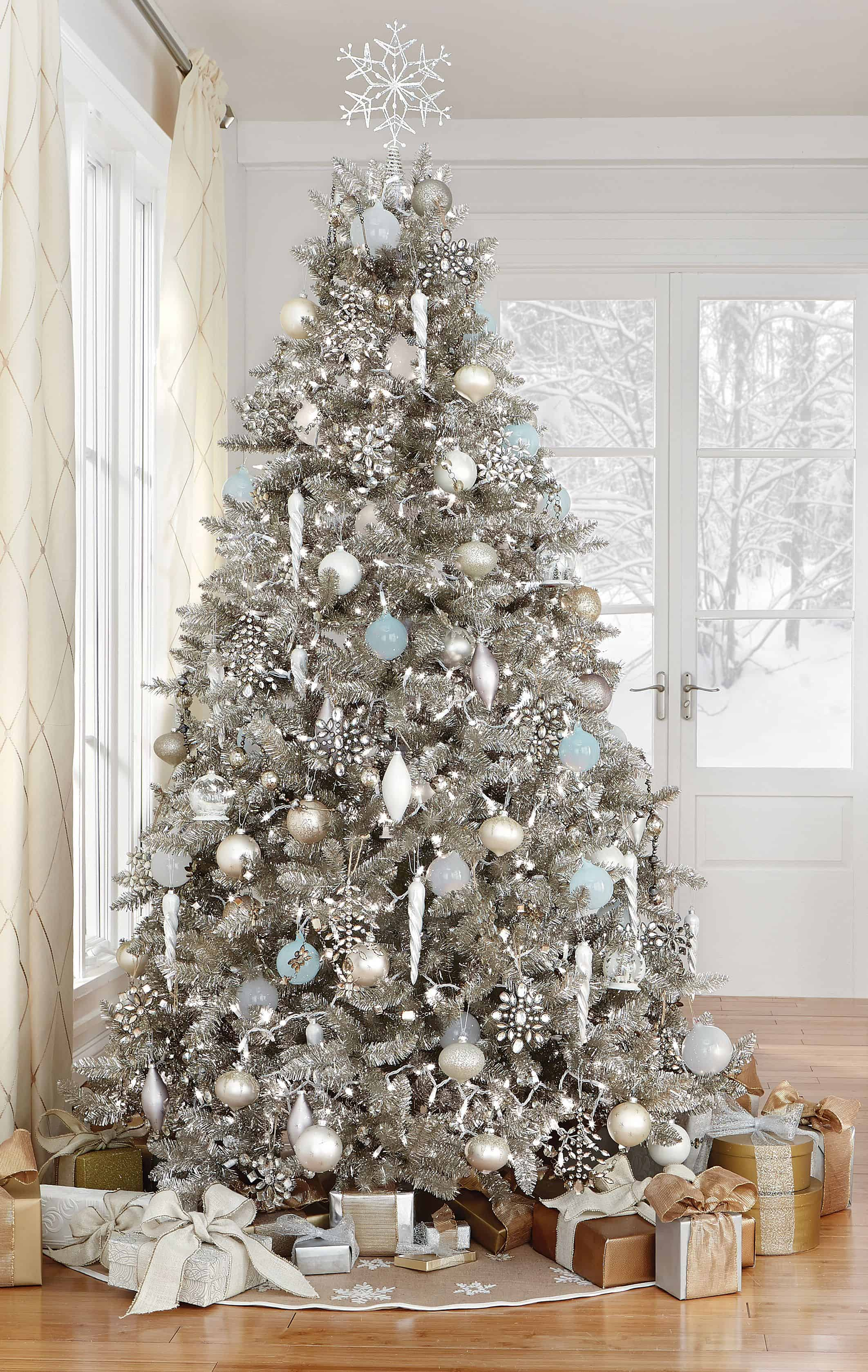 tinsel with tree