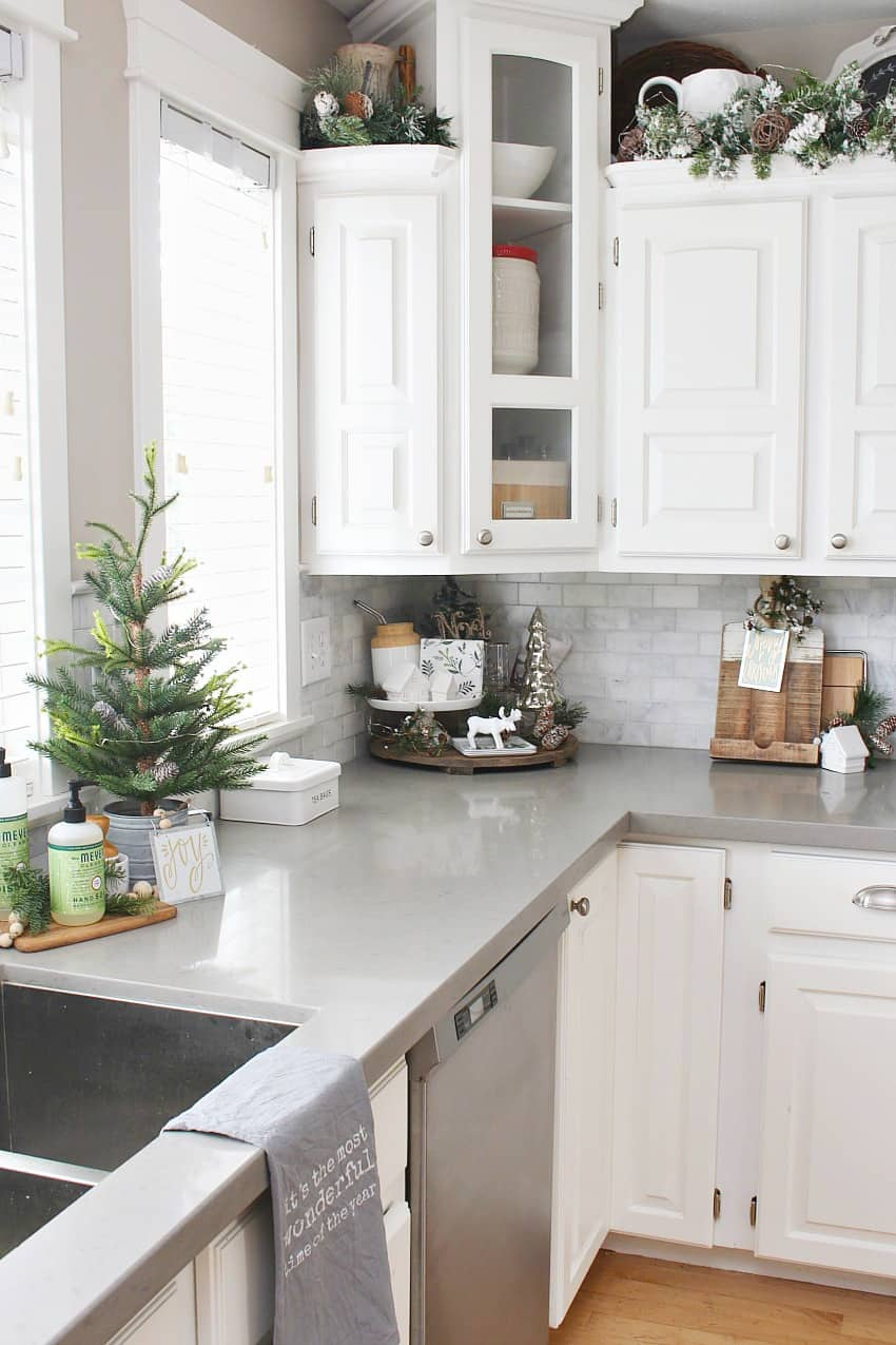 decorate throughout christmas kitchen