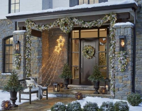Fabulous Christmas Garland Ideas To Charm Your Guests Away