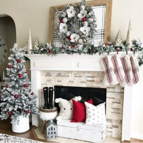 Christmas Mantel Decorations That Give Santa A Cozy Welcoming