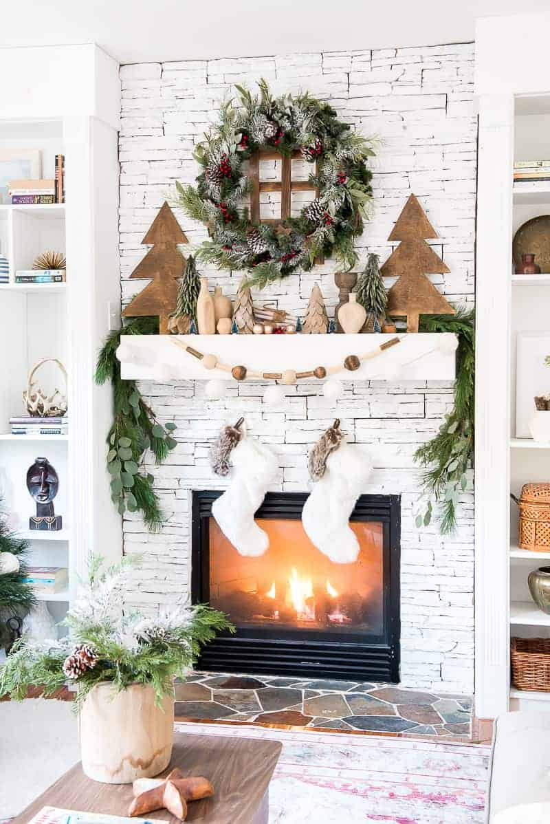 wood ekenebts Christmas Mantel Decorations That Give Santa A Cozy Welcoming