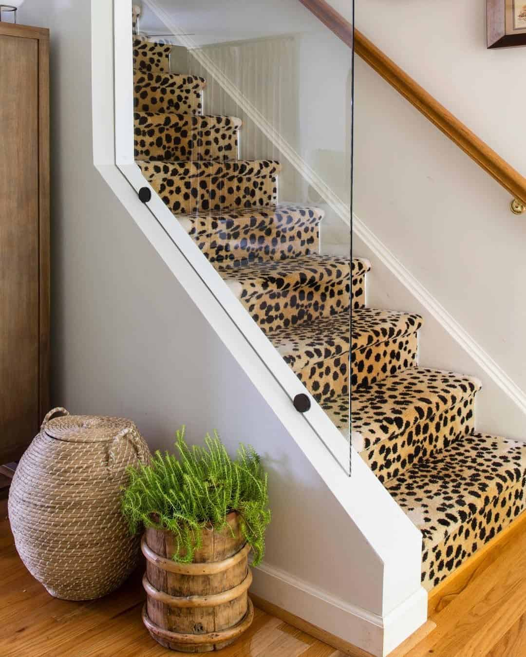 foyer with animal print What's a foyer? And How exactly you should decorate it