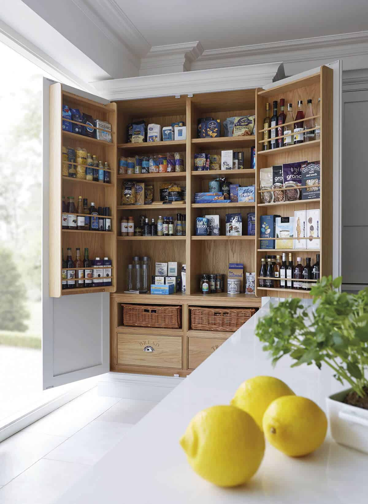 pantry door shelving How To Choice A Smart Pantry Door   10 Ingenious Ideas