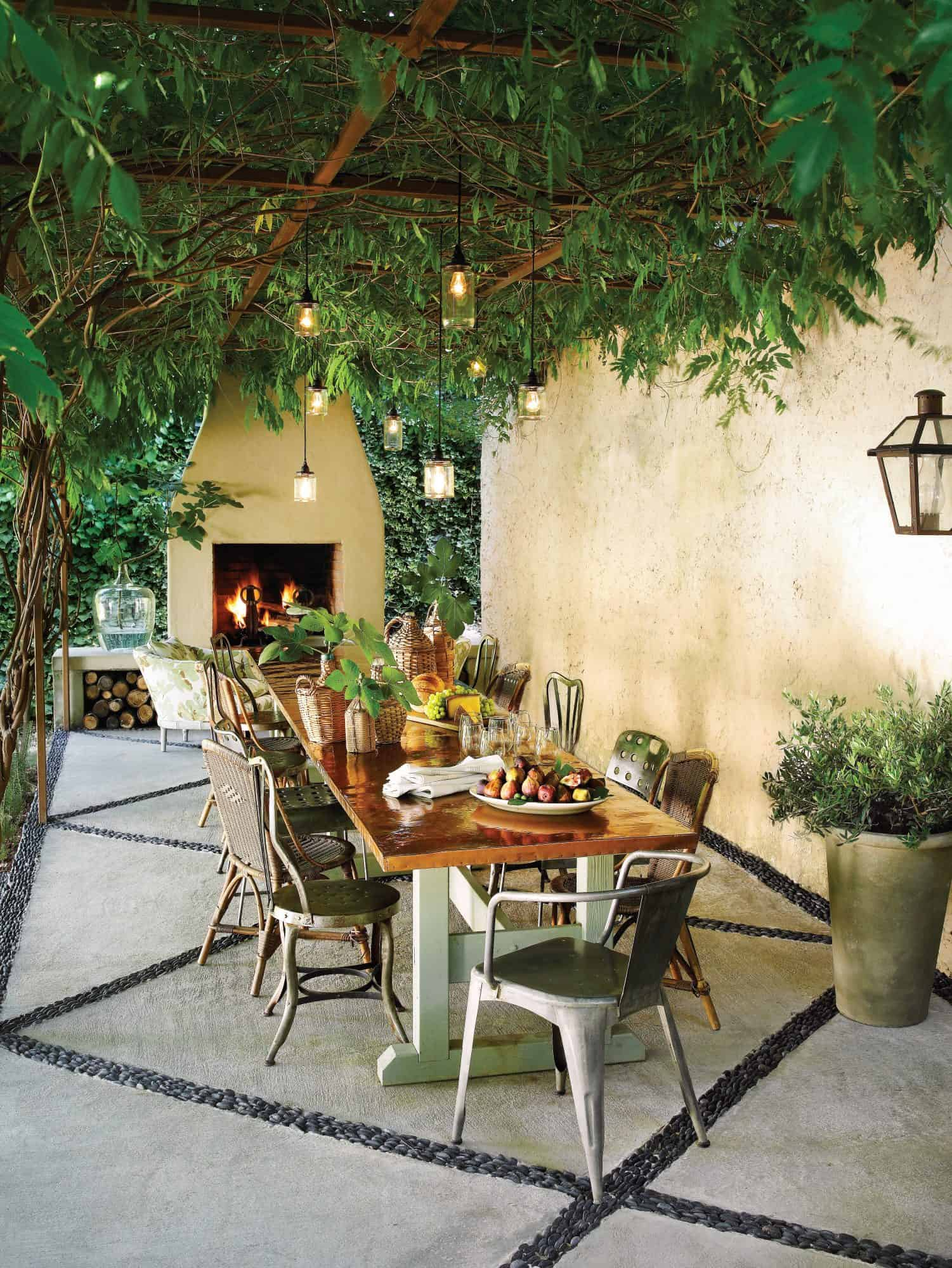dining area in patio