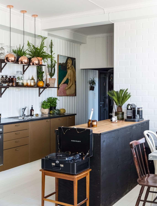 vintage touch in kitchen