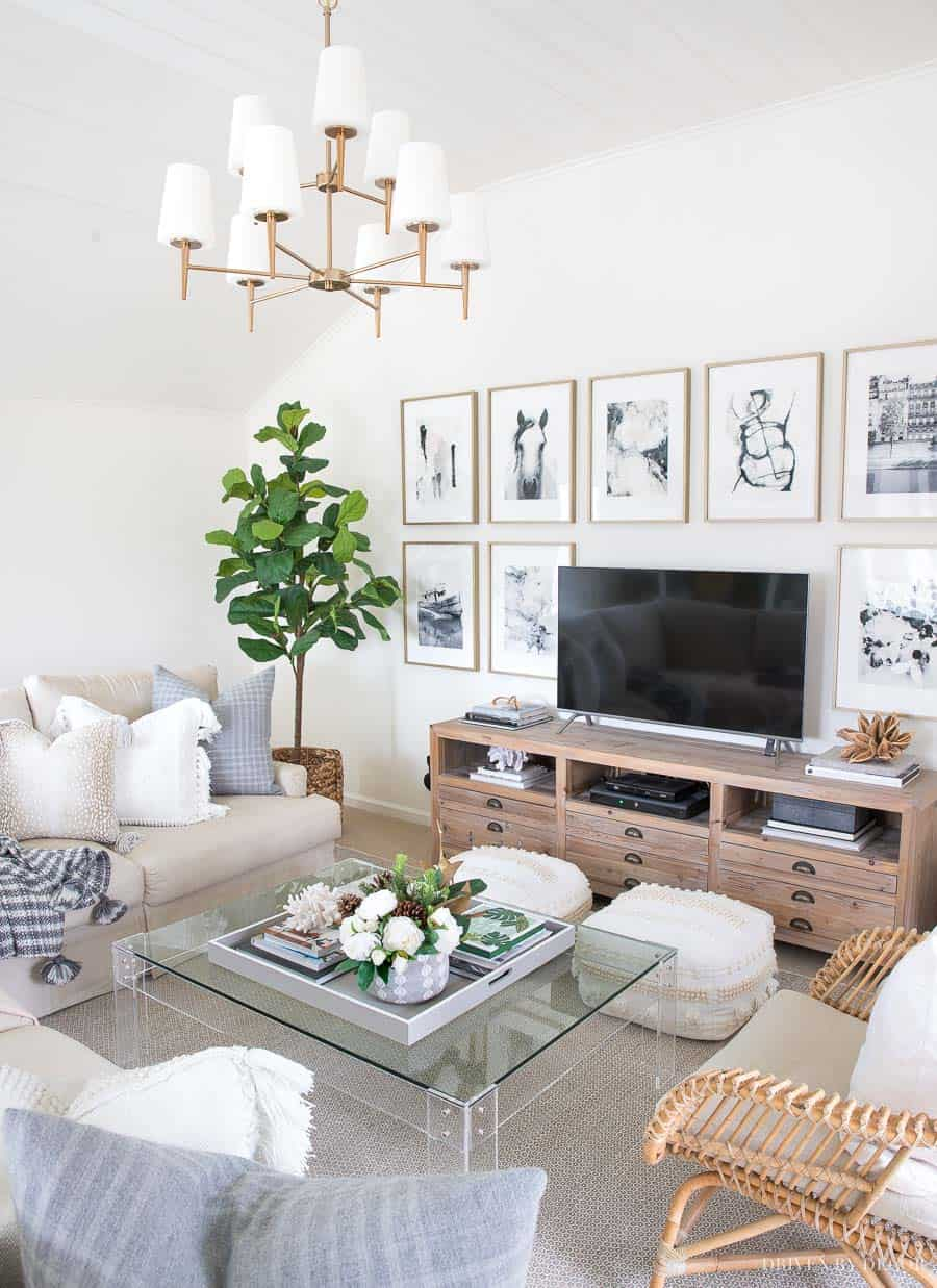 corner plant Charming decorating ideas filled with greenery