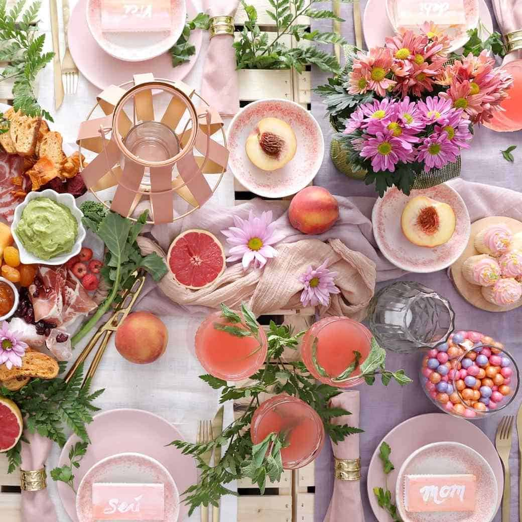 Sweet Mother's Day table setting Ideas